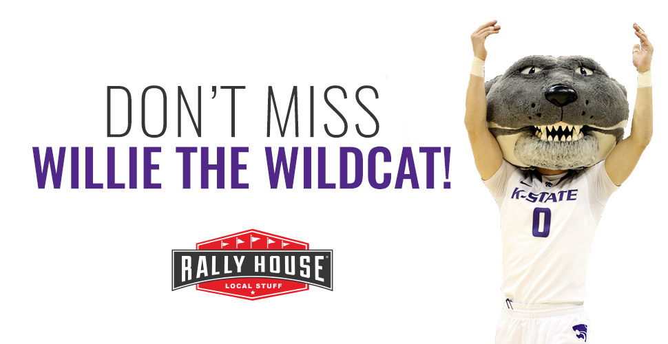 Get your Holiday Pictures with Willie the Wildcat