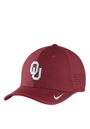 Nike Oklahoma Sooners Mens Red Vapor Sideline Coaches Adjustable Hat
