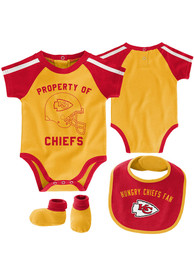 Kansas City Chiefs Baby Tackle One Piece with Bib - Gold