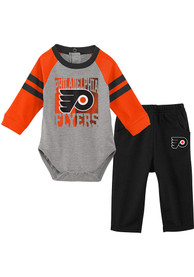 Philadelphia Flyers Infant Puck Pals Top and Bottom - Grey