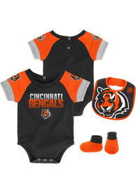 Cincinnati Bengals Baby 50 Yard Dash One Piece with Bib - Black