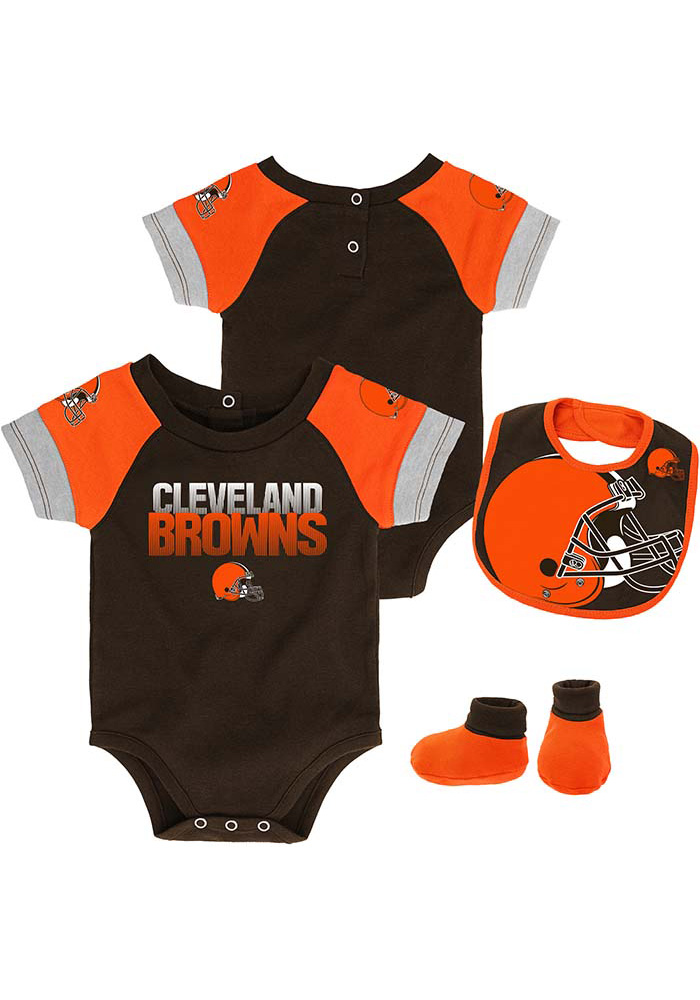 the latest dfec6 e45d5 Cleveland Browns Baby Brown 50 Yard Dash Set One Piece with Bib