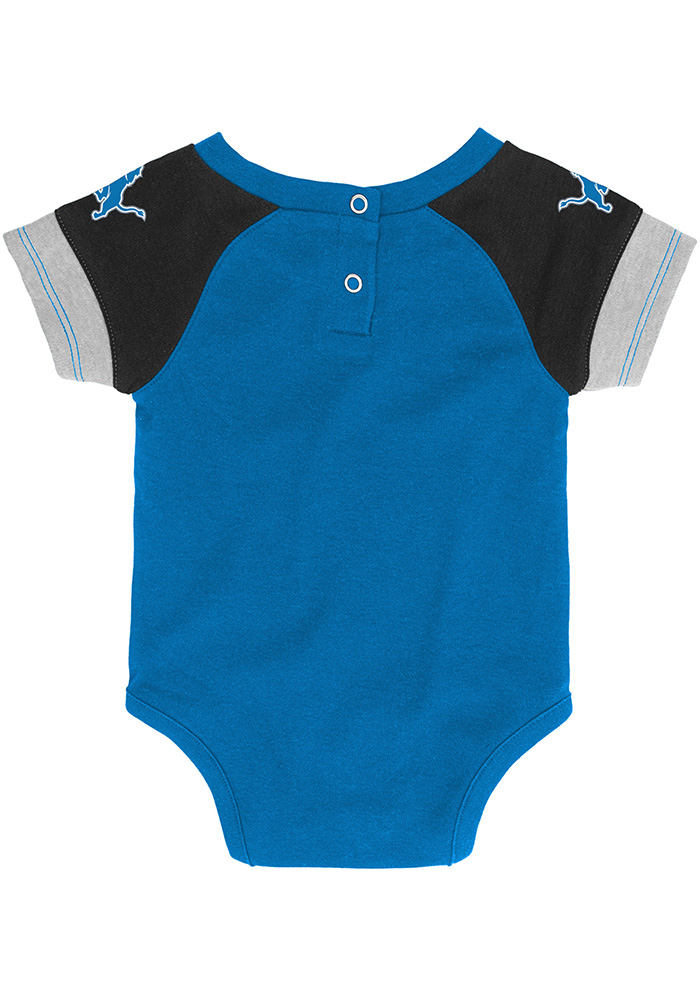 Detroit Lions Baby Blue 50 Yard Dash Set One Piece with Bib - Image 3