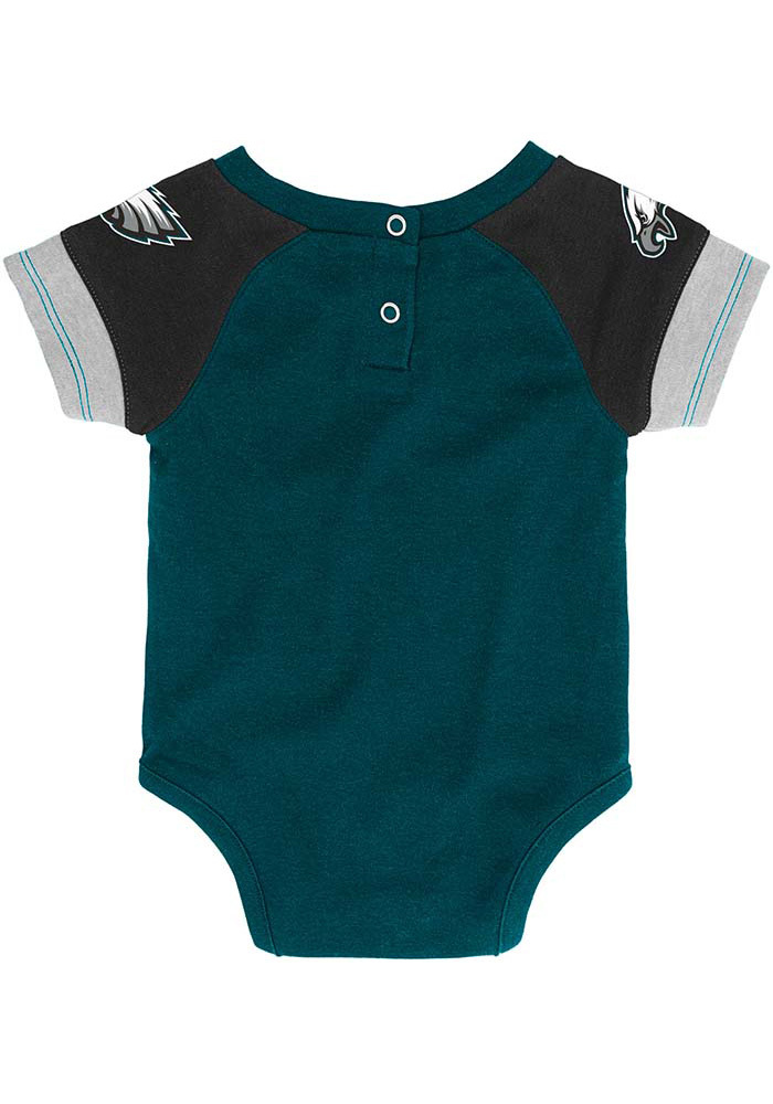 Philadelphia Eagles Baby Teal 50 Yard Dash Set One Piece with Bib - Image 3