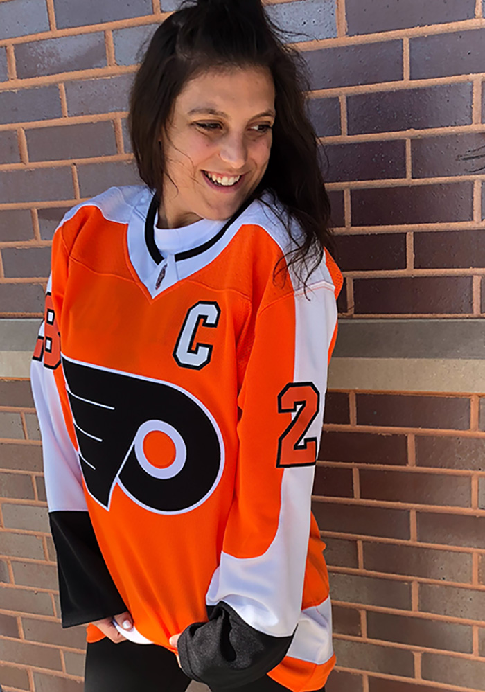 Claude Giroux Philadelphia Flyers Mens Orange 2017 Home Hockey Jersey - Image 4