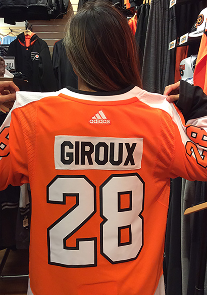 Claude Giroux Philadelphia Flyers Mens Orange 2017 Home Hockey Jersey - Image 6