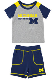 Michigan Wolverines Infant Colosseum Brant Top and Bottom - Grey