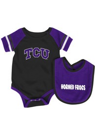 Colosseum TCU Horned Frogs Baby Purple Roll Out One Piece with Bib
