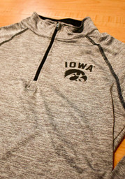 Colosseum Hawkeyes Womens Grey Athena 1/4 Zip Pullover