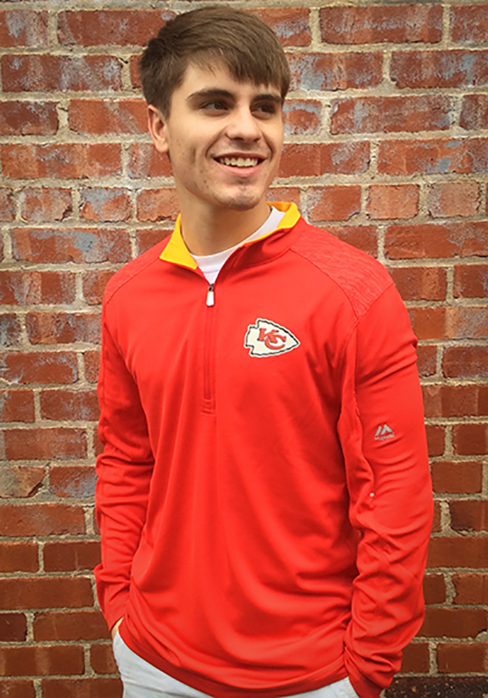 Majestic Kansas City Chiefs Mens Red Ultra-Streak Long Sleeve 1/4 Zip Pullover - Image 1
