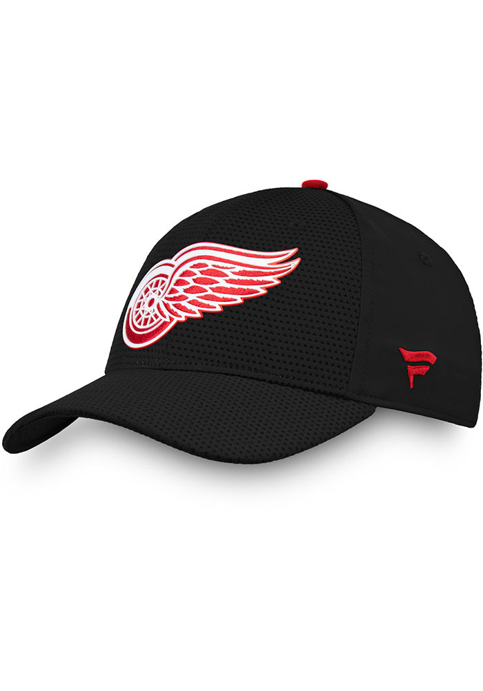 Detroit Red Wings Mens Black 2019 Authentic Pro Rinkside Structured Flex Hat - Image 1