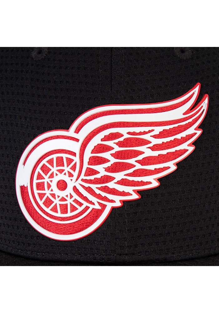 Detroit Red Wings Mens Black 2019 Authentic Pro Rinkside Structured Flex Hat - Image 5