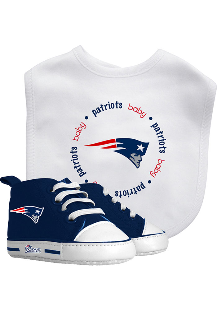 New England Patriots Bib with Pre-Walker Baby Gift Set - Image 1