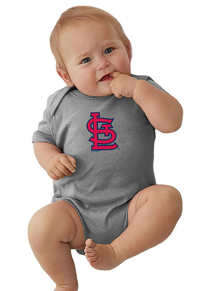 St Louis Cardinals Baby Grey Cap Logo Short Sleeve Creeper - Image 1