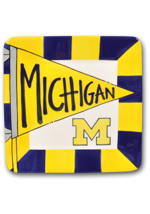 Michigan Wolverines Striped Pennant Plate