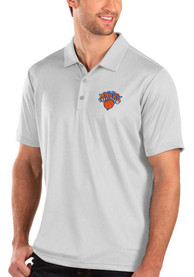 Antigua New York Knicks White Balance Short Sleeve Polo Shirt