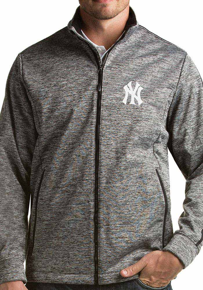 Antigua New York Yankees Mens Black Golf Light Weight Jacket - Image 1