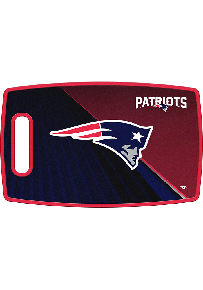 New England Patriots 14.5x9 Plastic Cutting Board - Image 1
