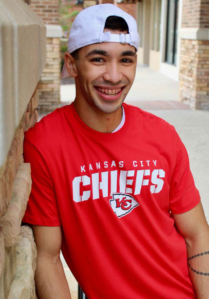 47 Kansas City Chiefs Red Traction Short Sleeve T Shirt - Image 4
