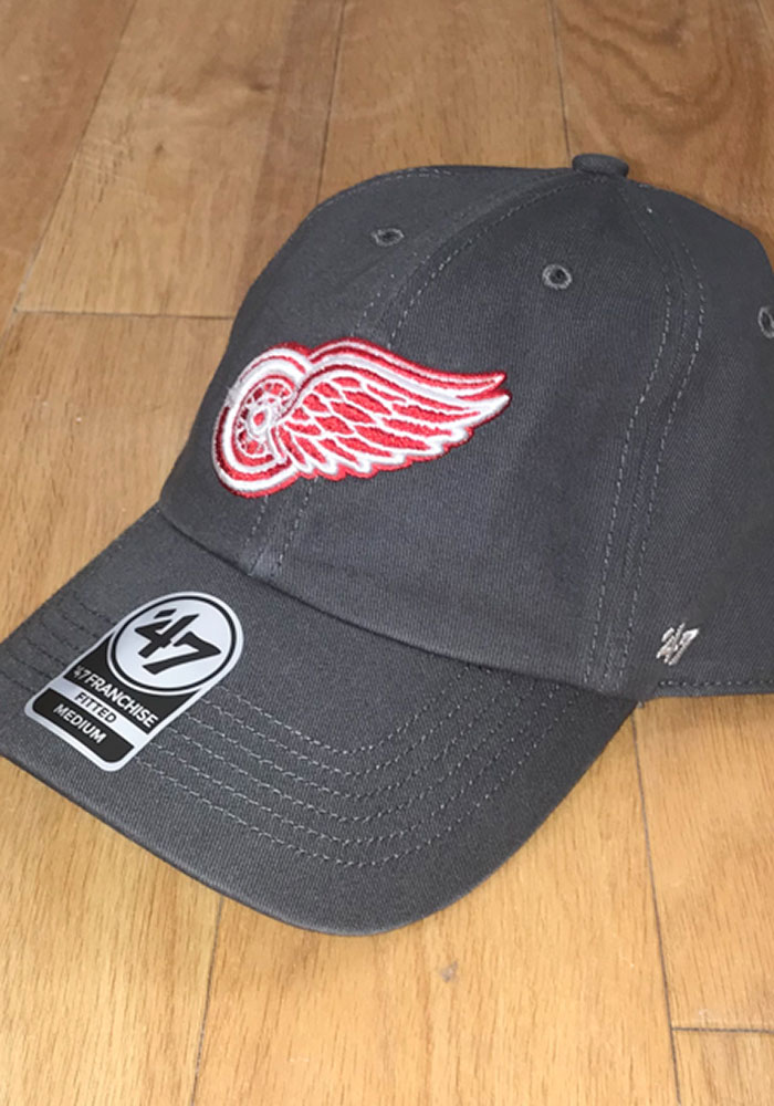 47 Detroit Red Wings Mens Charcoal 47 Franchise Fitted Hat - Image 2