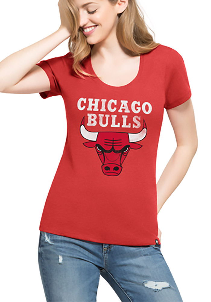 39 47 chicago bulls womens red knockaround club scoop t shirt 4808941. Black Bedroom Furniture Sets. Home Design Ideas