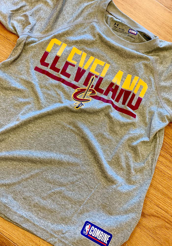 Under Armour Cleveland Cavaliers Youth Grey Split Tech Short Sleeve T-Shirt - Image 2