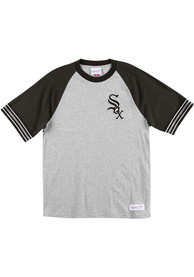 Mitchell and Ness Chicago White Sox Grey Team Captain Fashion Tee