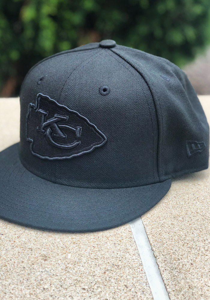 New Era Kansas City Chiefs Mens Black On Black Basic 59FIFTY Fitted Hat - Image 7
