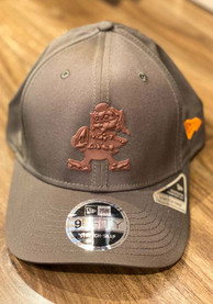Cleveland Browns New Era Retro Tonal Badge Stretch 9FIFTY Snapback - Brown