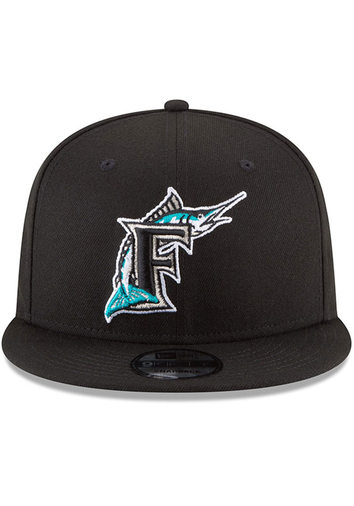 New Era Miami Marlins Black Basic 9FIFTY Mens Snapback Hat - Image 3