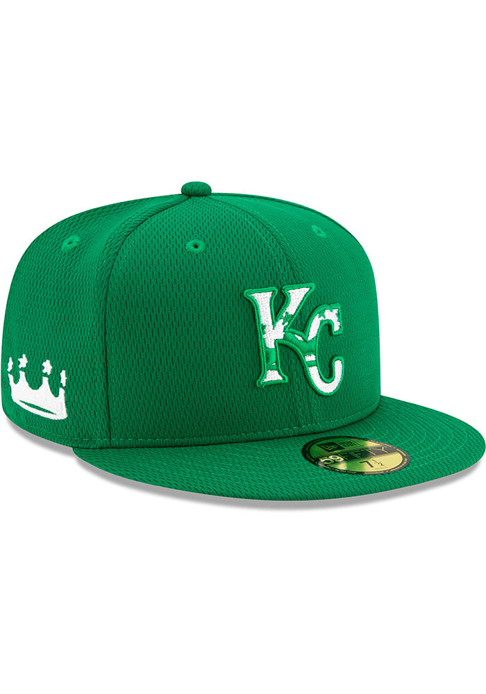 New Era Kansas City Royals Mens Green St. Pattys Day 2020 59FIFTY Fitted Hat - Image 2