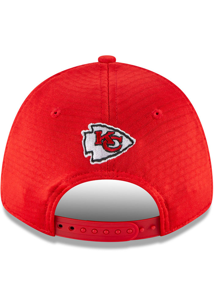 New Era Kansas City Chiefs NFL20 Official Training SS 9FORTY Adjustable Hat - Red - Image 5