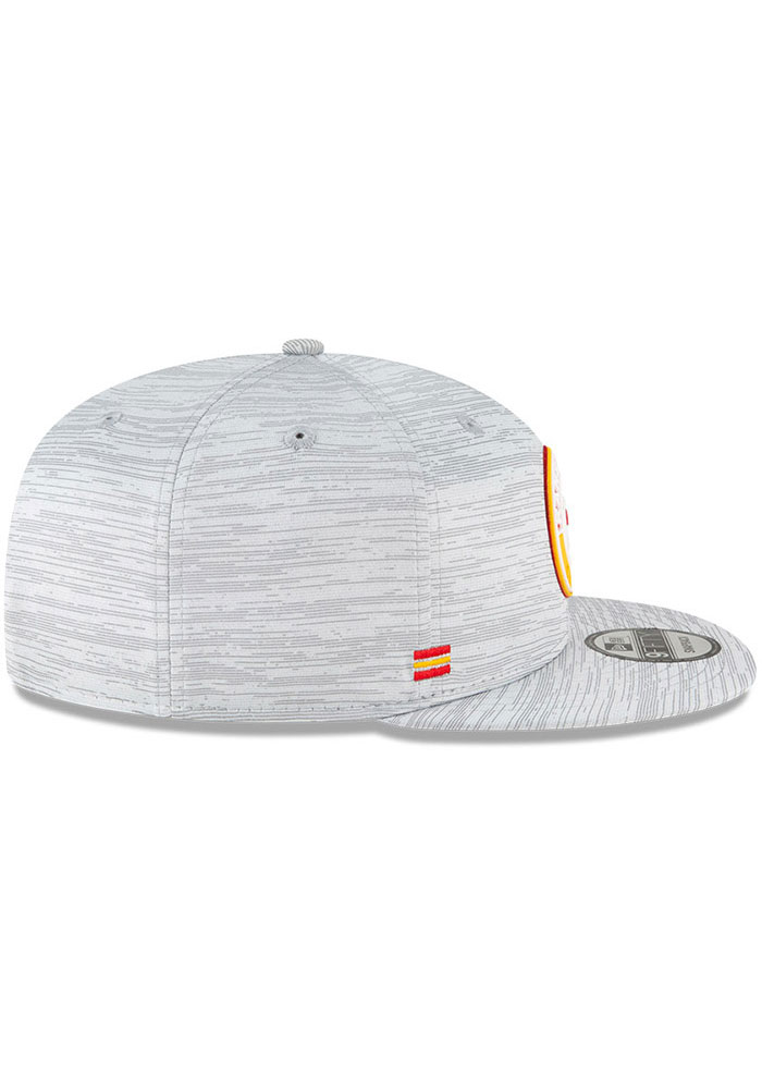 New Era Kansas City Chiefs Grey 2020 OF Sideline JR 9FIFTY Youth Snapback Hat - Image 6
