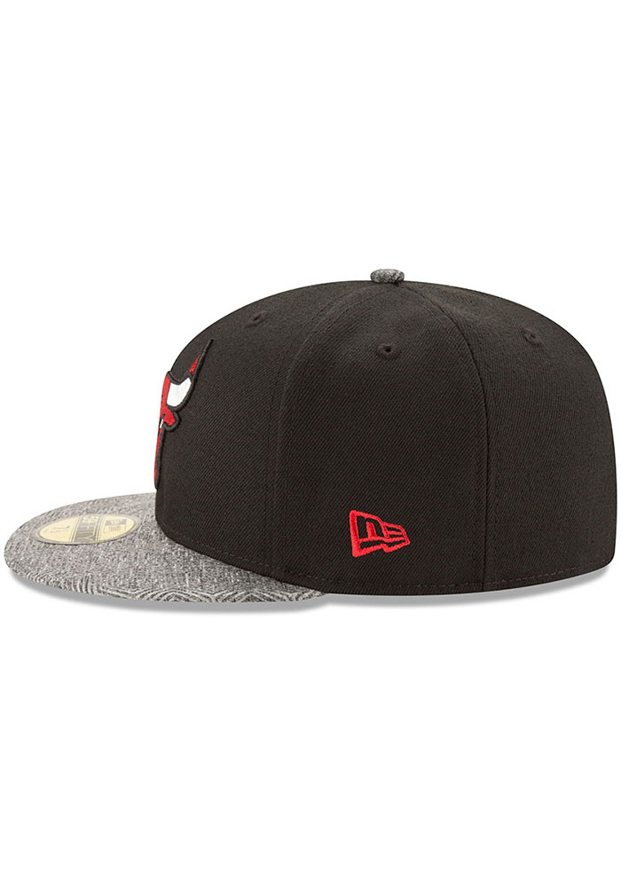 New Era Chicago Bulls Mens Black Gripping Vize 59FIFTY Fitted Hat - Image 4
