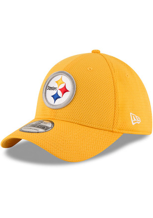 New Era Pittsburgh Steelers Mens Gold Sideline Tech 39THIRTY Flex Hat