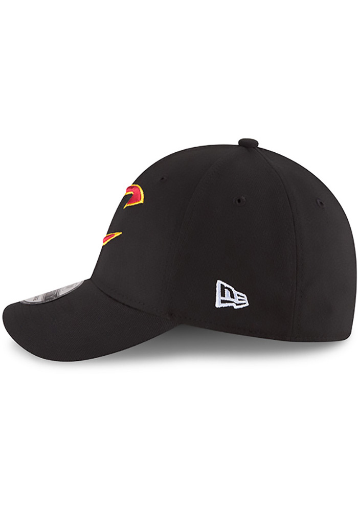 New Era Cleveland Cavaliers Mens Black Team Classic 39THIRTY Flex Hat - Image 4