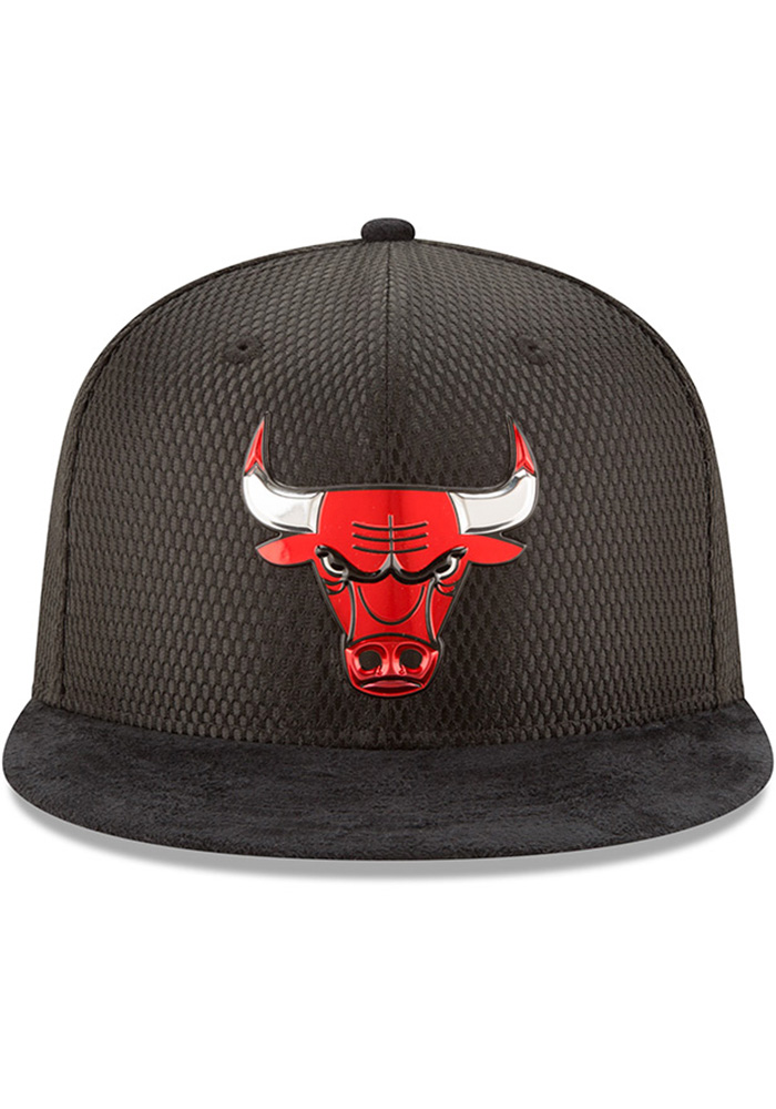 New Era Chicago Bulls Mens Black NBA17 On Court Fitted Hat - Image 3