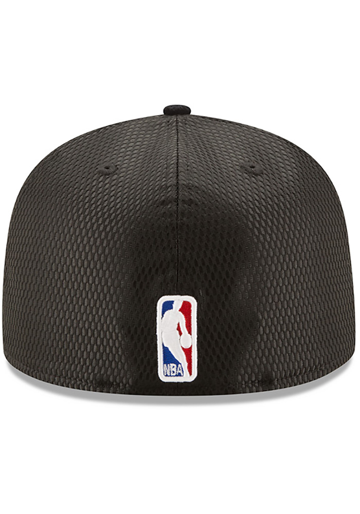 New Era Chicago Bulls Mens Black NBA17 On Court Fitted Hat - Image 5