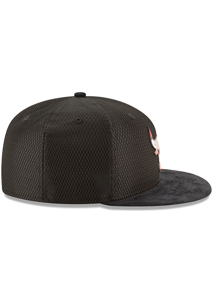 New Era Chicago Bulls Mens Black NBA17 On Court Fitted Hat - Image 6