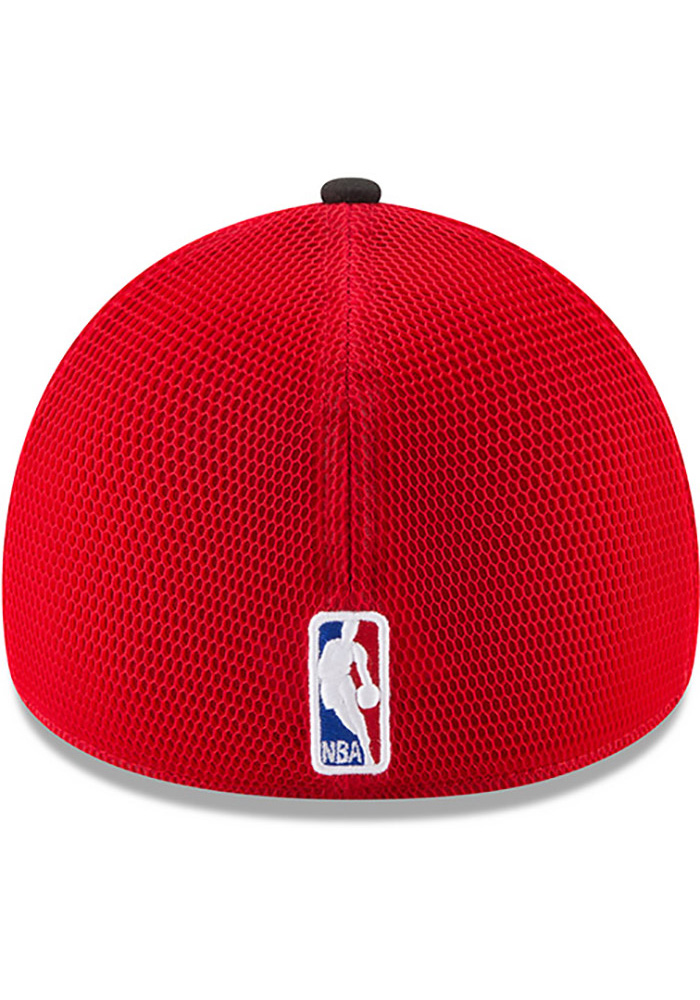 New Era Chicago Bulls Mens Black NBA17 On Court Flex Hat - Image 5