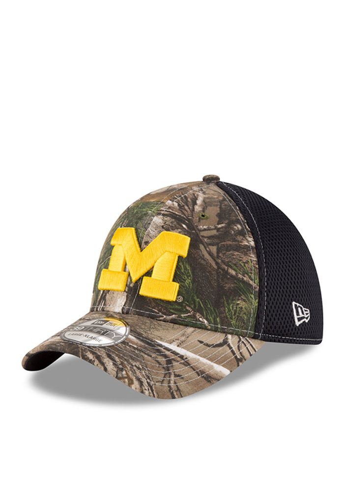 be79c3c40 New Era Michigan Wolverines Mens Green Realtree Neo 39THIRTY Flex Hat -  Image 1