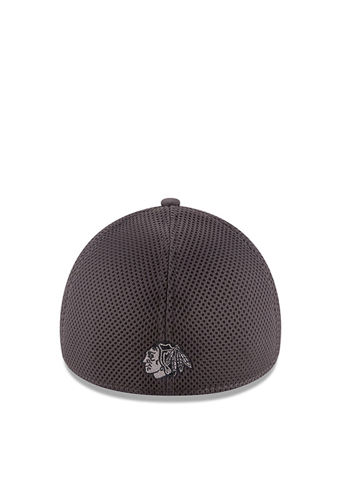 Chicago Blackhawks Grey Grayed Out Neo 2 39THIRTY Youth Flex Hat - Image 3