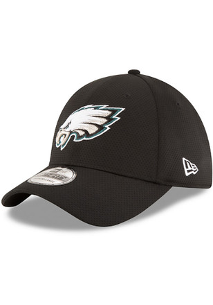 New Era Philadelphia Eagles Mens Black Sideline Tech 39THIRTY Flex Hat