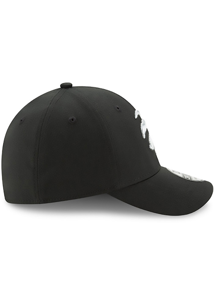 New Era Toronto Raptors Mens Black Team Classic 39THIRTY Flex Hat - Image 6