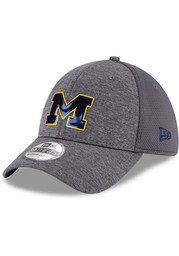 New Era Michigan Wolverines Mens Navy Blue Classic 39THIRTY Flex Hat ... 6111172a7320