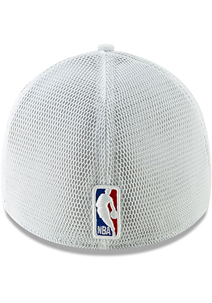New Era Cleveland Cavaliers Mens Maroon 2018 Christmas Day 39THIRTY Flex Hat - Image 5