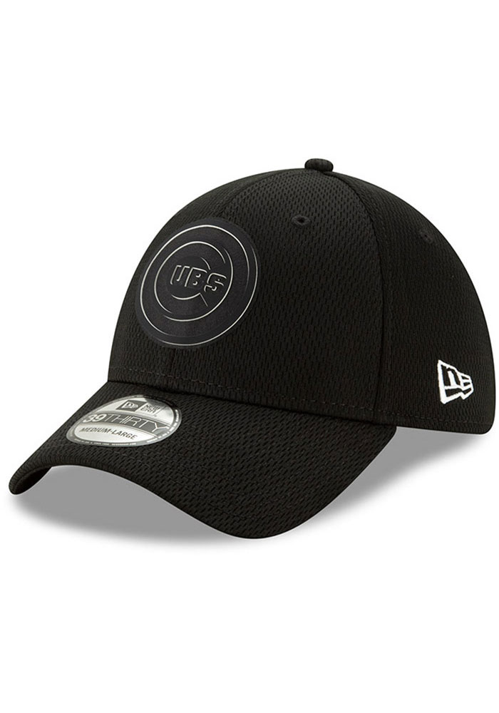 New Era Chicago Cubs Mens Black 2019 Clubhouse 39THIRTY Flex Hat - Image 1