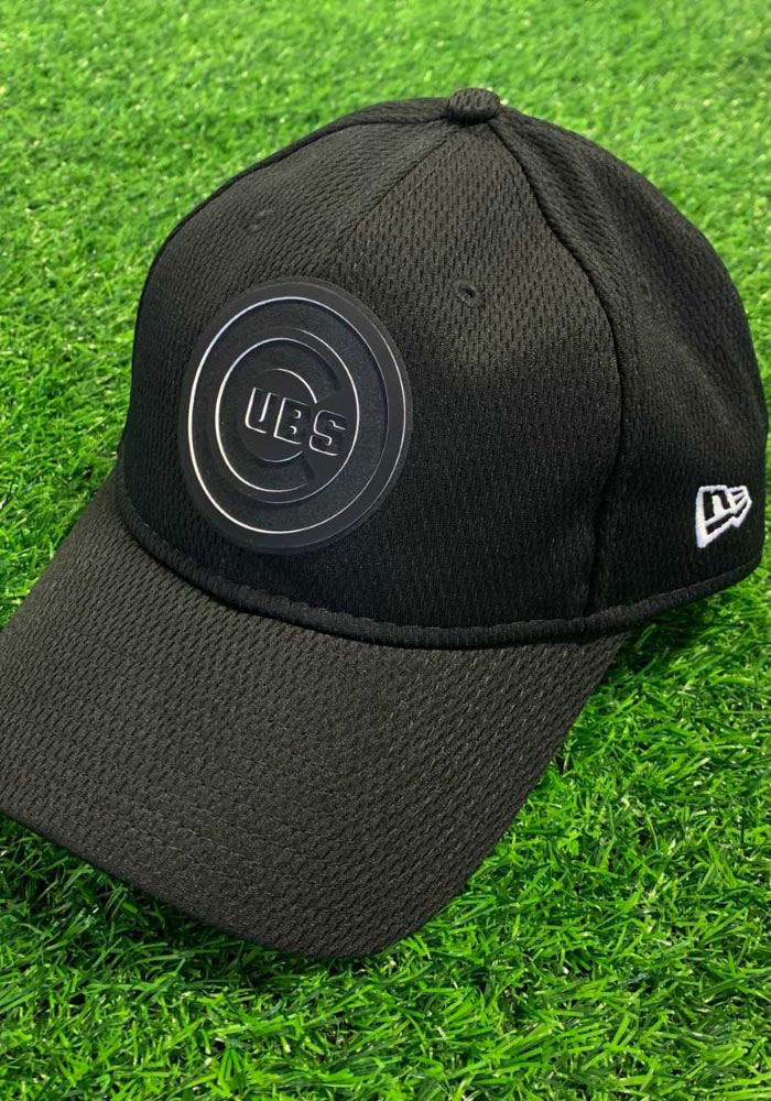New Era Chicago Cubs Mens Black 2019 Clubhouse 39THIRTY Flex Hat - Image 4