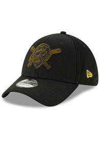new product 57c8e 701c6 New Era Pittsburgh Pirates Black 2019 Clubhouse JR 39THIRTY Youth Flex Hat