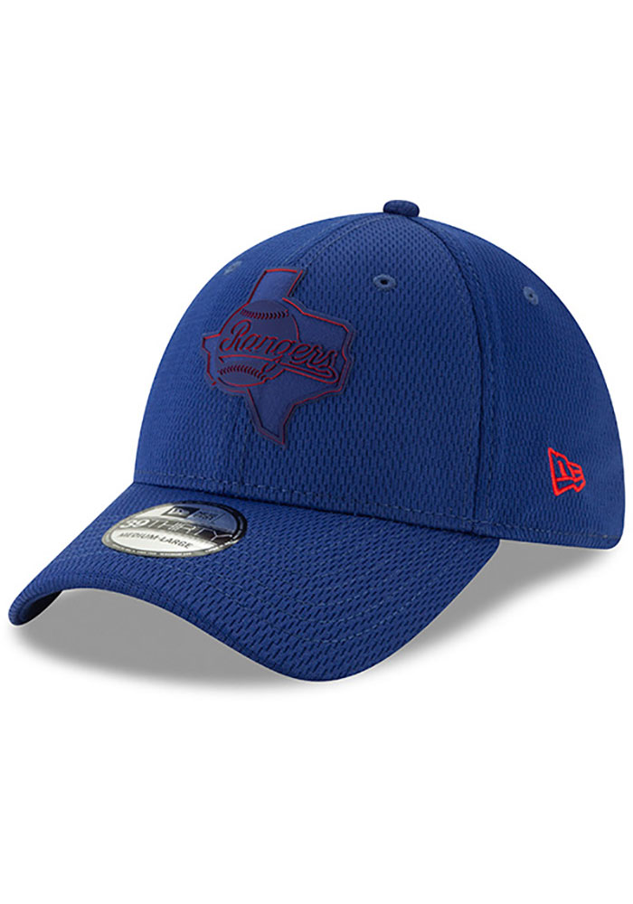 New Era Texas Rangers Mens Red 2019 Clubhouse 39THIRTY Flex Hat - Image 1